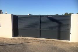 portail aluminium lame pleine (4,5m de longueur)